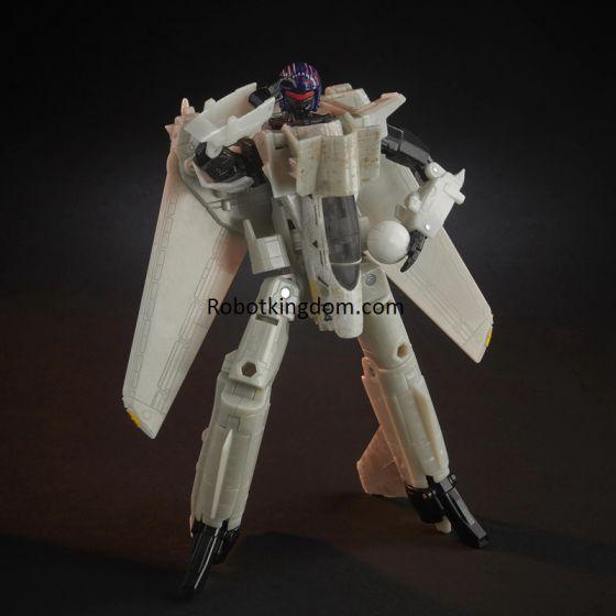 Transformers Generations Top Gun Mash-Up Maverick Robot. Available NOW!