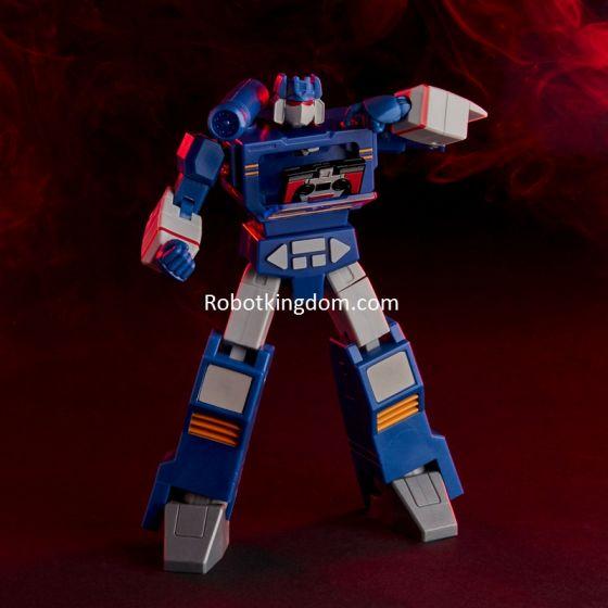 Transformers Robot Enhanced Design (R.E.D) Series Soundwave. Available NOW!