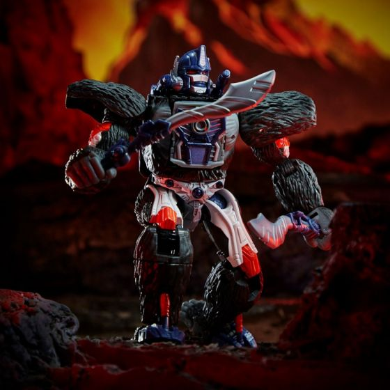 Transformers Generations Kingdom Voyager Wave 1 Case of 3 (OPTIMUS PRIMAL and CYCLONUS). Preorder. Available in Feb 2021.