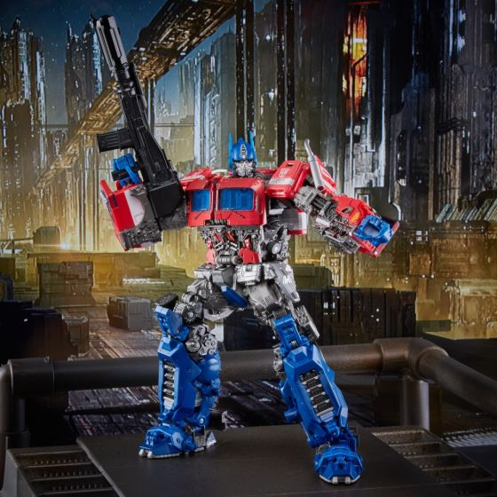 Hasbro/Takara Transformers Masterpiece (Bumblebee Movie)  MPM-12 Optimus Prime. Preorder. Start Shipping on 1st August 2021.