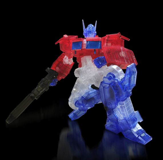 Flame Toys [Furai Model] Optimus Prime (Clear ver.). Preorder. Available in December 2020.