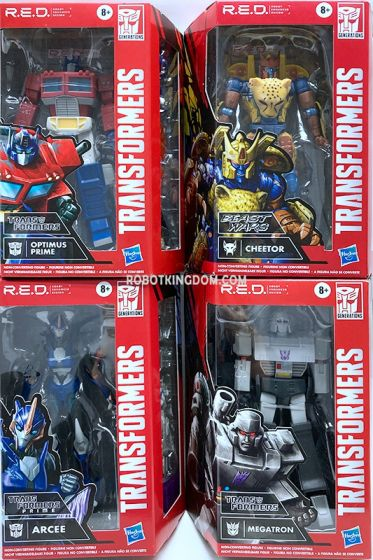 Transformers Generations MOVIE ACCURATE case of 6. (RED OPTIMUS PRIME, RED G1 MEGATRON, RED BW CHEETOR and RED PRIME ARCEE). Available Now!