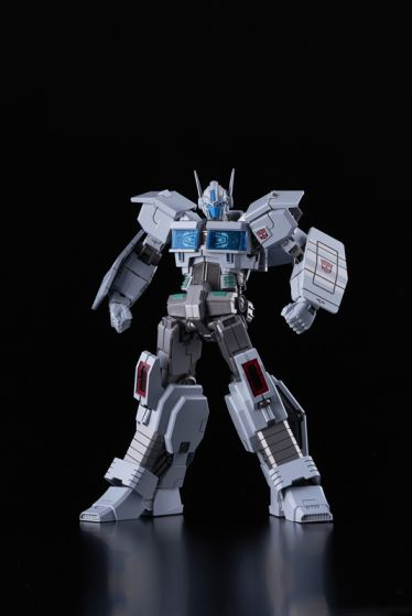 Flame Toys [Furai Model] Ultra Magnus (IDW Ver.). Preorder. Available in August 2020.
