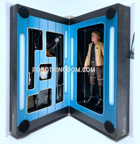 """Exclusives Black Series 6"""" Skywalker Strike. Available now!"""
