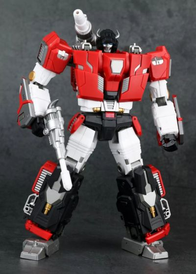 Generation Toy GT-11 T-Beast RED BULL. Preorder. Available in May 2020.
