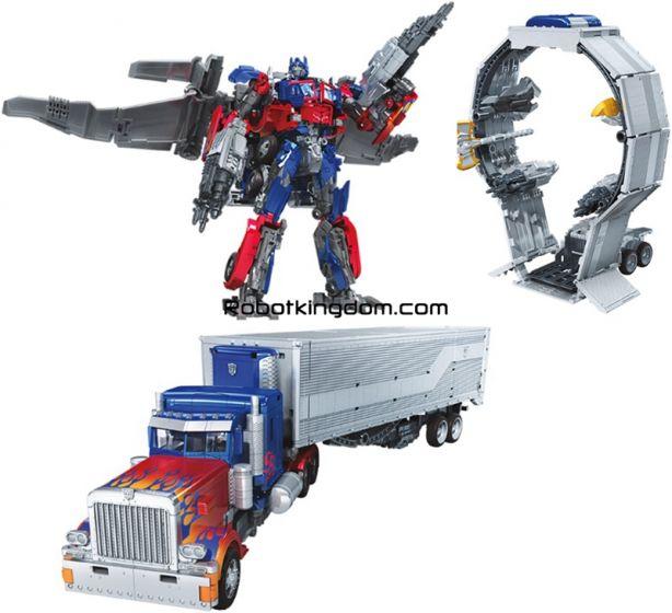 Hasbro Transformers Studio Series  LEADER TF3 Optimus Prime. Available Now!